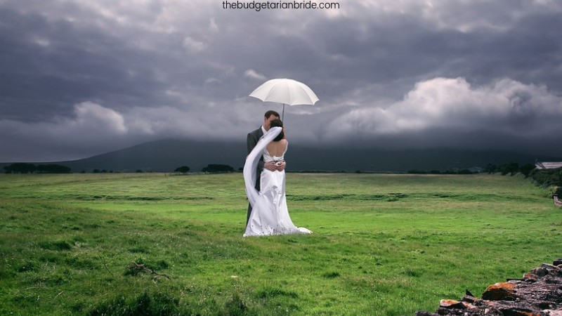 rain on wedding day tips